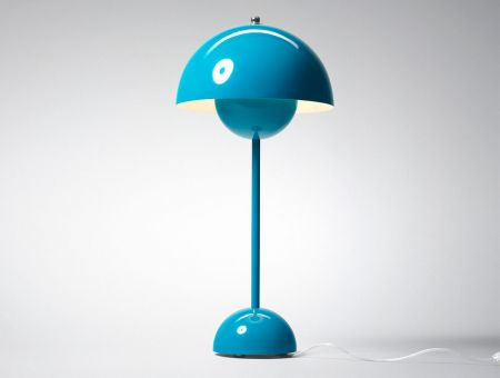 VP3 FlowerPot Tischlampe (table lamp) blau by Verner Panton, © &tradition, Dänemark