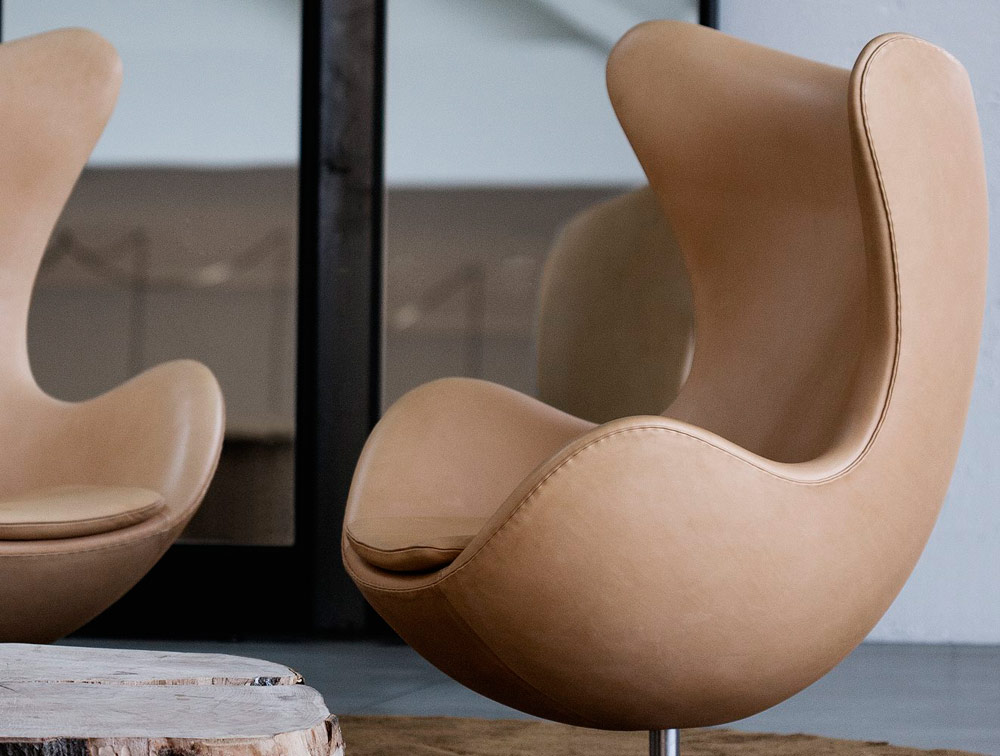 Egg chairs armchair alpha egg chair and ottoman living for Sessel jacobsen